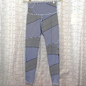 Old Navy Active Go Dry Leggings Size Small